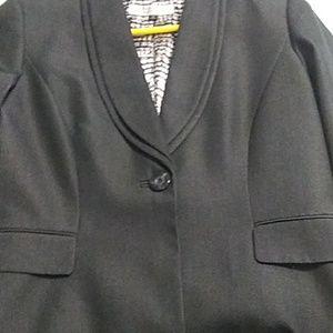 Tahari Arthur's levine blazer